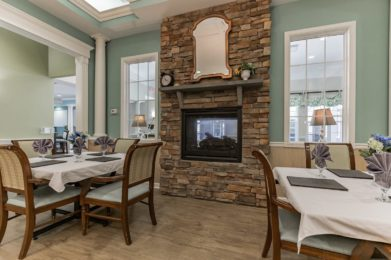 Dining with fire place